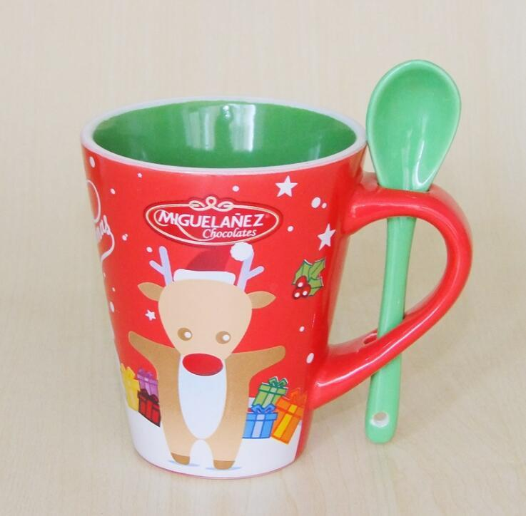Promotional Customized Decal Ceramic Stoneware Christmas Mug With Spoon
